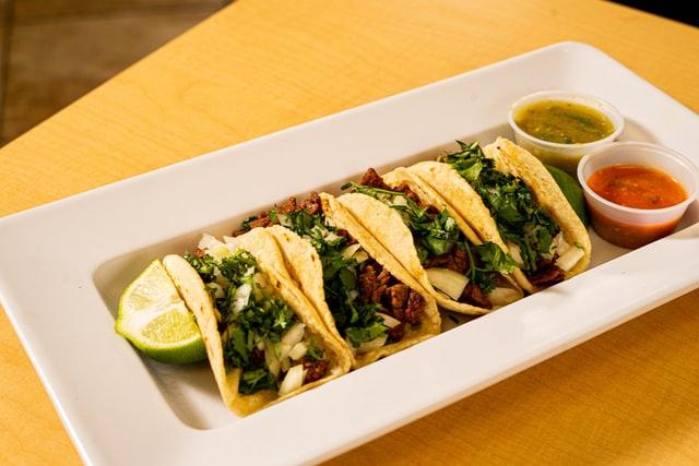 Welke specerijen en kruiden gebruikt men voor Mexicaanse gerechten?